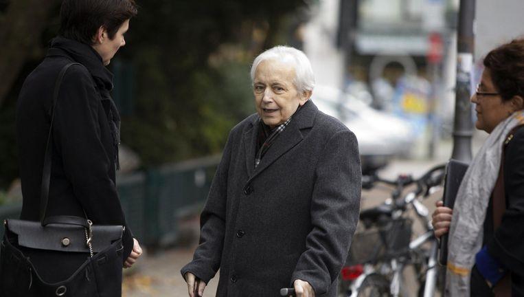 Cornelius Gurlitt bij zijn appartement in München op 12 november 2013. De kunstverzamelaar overleed op 6 mei 2014 waarna een familielid zijn testament aanvocht. Beeld Aktion Press/Zuma Press