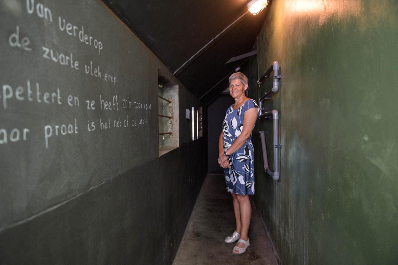 """Yolanda del Prado in de escaperoom op haar boerenerf. """"Wat zich precies afspeelt tussen de stalmuren is strikt geheim."""""""