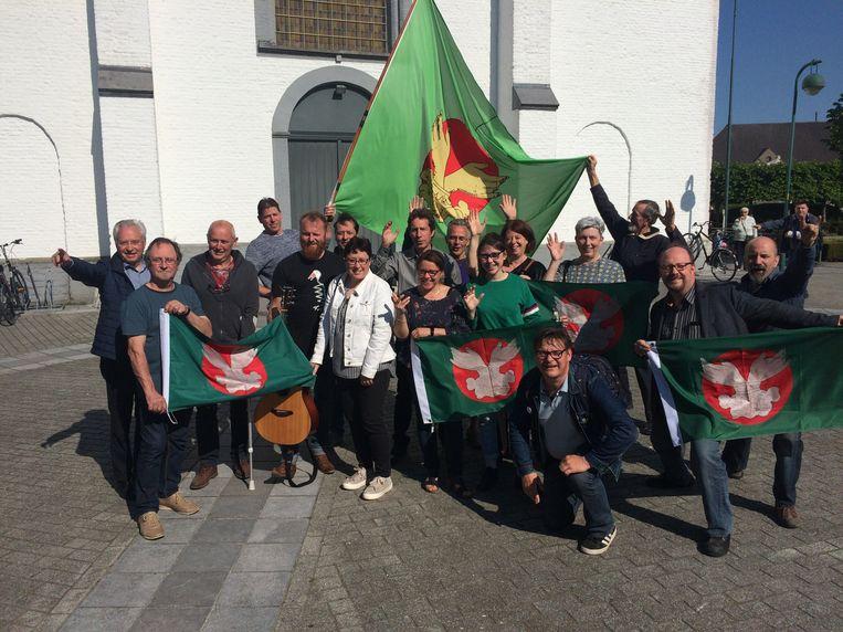 De ploeg achter de Vrijstaat in Sleidinge.
