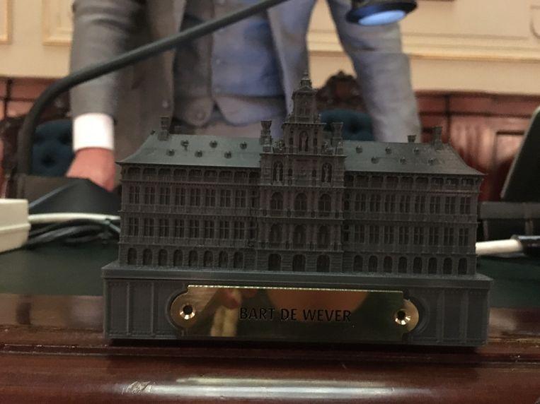 Iedereen kreeg een 3D-print van het stadhuis.