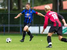 Trainer Oranje Blauw én zoon weggestuurd: 'Erg flauw'