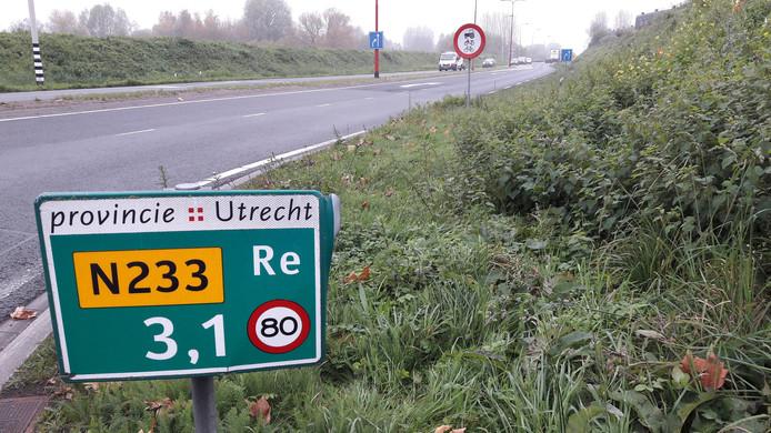 De Rondweg-Oost loopt door en langs Veenendaal.