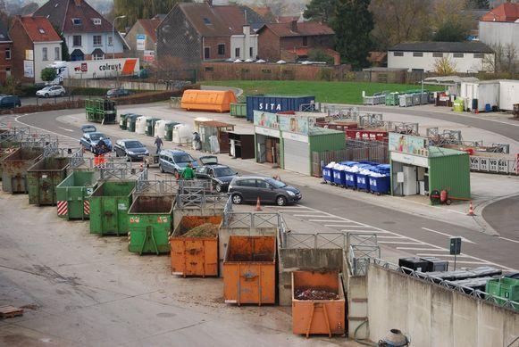 Het recyclagepark van Ronse is even dicht wegens een blikseminslag.