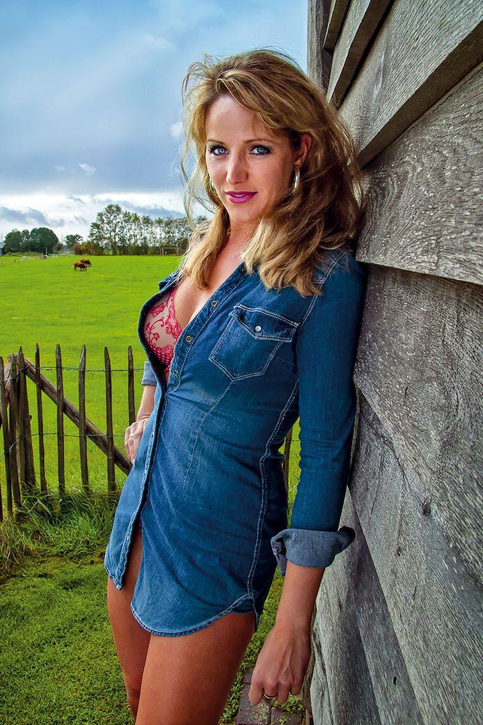 Annemarie was de allereerste covergirl van de Boerinnen Kalender.