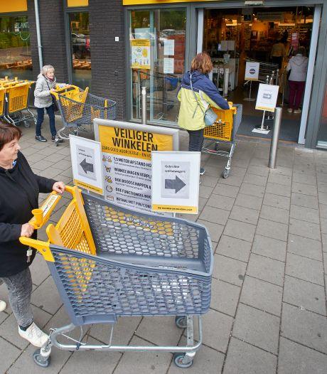 Naar de supermarkt: van coronaknallers in de aanbieding tot veilig virusvrij boodschappen doen