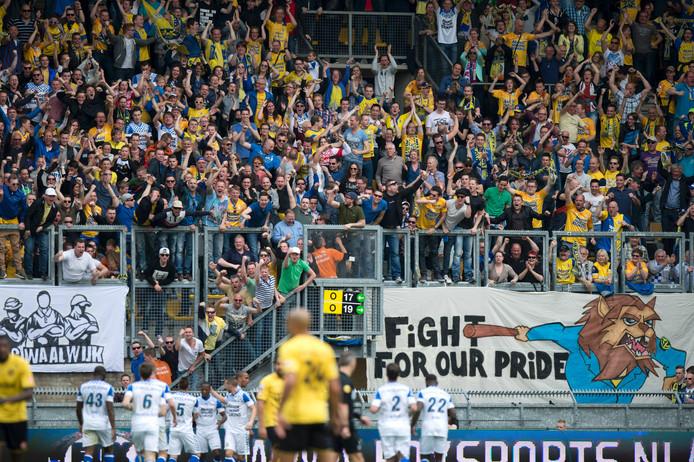 Bij NAC - RKC worden 350 Waalwijkse fans verwacht. Een deel reist per boot.