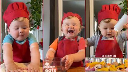 Deze guitige peuter is chef-kok in wording en heeft nu al 1 miljoen volgers