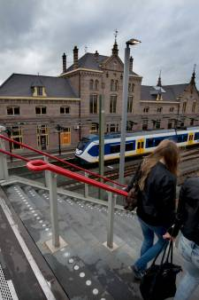 'Laat intercity tussen Den Bosch en Utrecht stoppen in Geldermalsen'