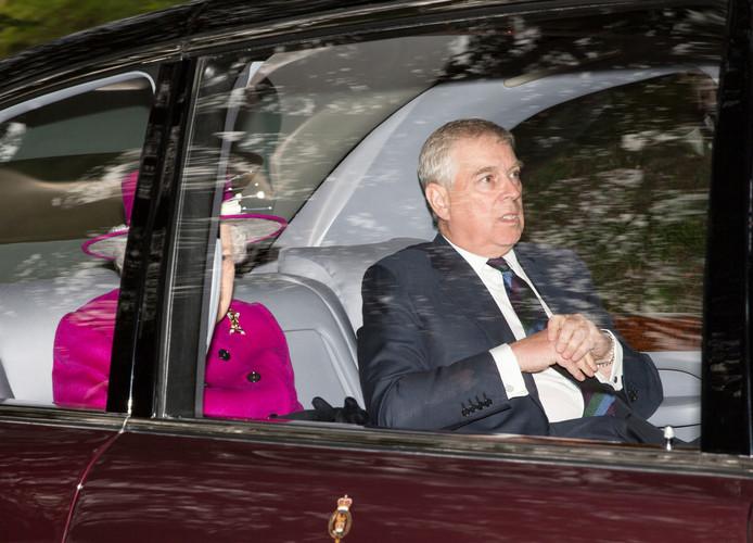 Prins Andrew, vorige week in Schotland waar hij naar de kerk ging met zijn moeder.