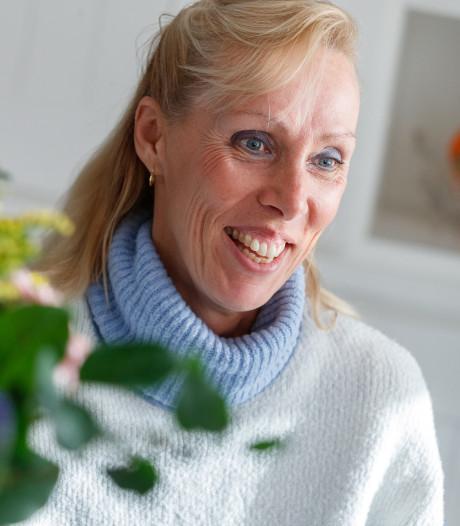 Anja uit Willemstad schreef een boek: 'Geluk en vrolijkheid is ieders doel'