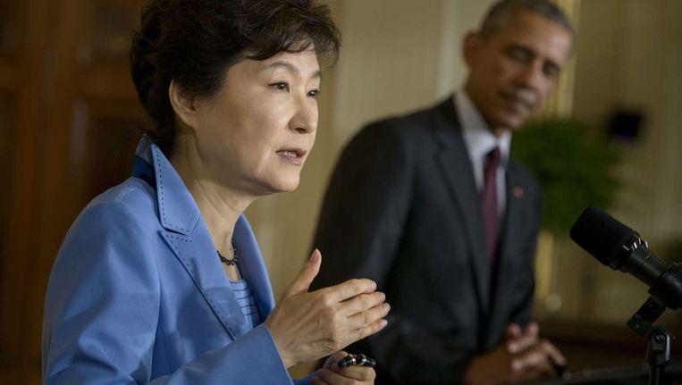 De Zuid-Koreaanse president Park en haar Amerikaanse collega Obama tijdens de gezamenlijke persconferentie in Washington. Beeld afp