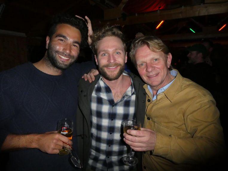 Schrijvers Mano Bouzamour en Thomas Ruep en filmmaker Michiel van Erp, die Rueps 'Laura H' gaat verfilmen. Beeld Hans van der Beek