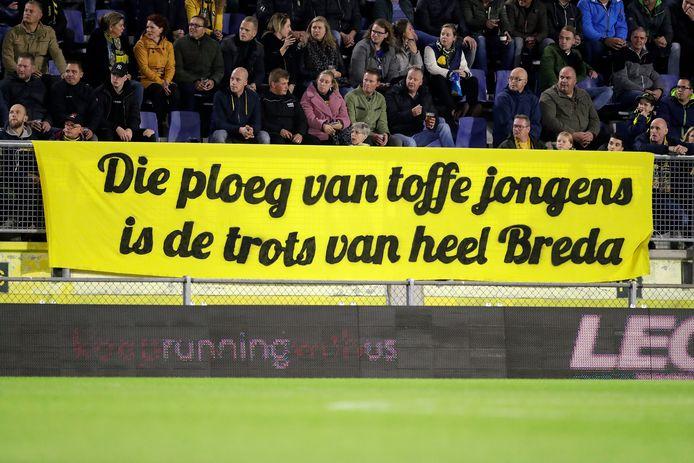 De supporters kunnen zich na het dramatische seizoen van afgelopen jaar weer identificeren met 'hun' club. Vrijdagavond vonden ruim achttienduizend de weg naar het stadion.
