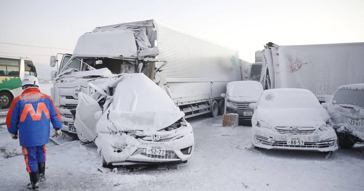 Grote kettingbotsing in Japan tijdens sneeuwstorm: dode en 12 gewonden.