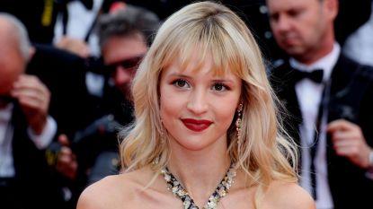 Angèle bevestigt relatie met influencer Marie Papillon op Instagram
