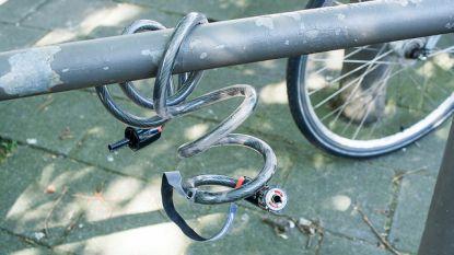 Drie minderjarigen proberen fietsen te stelen