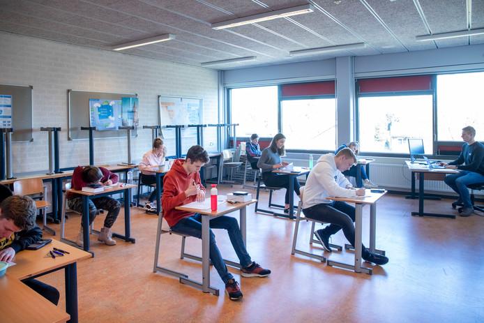 De schoolexamens maandagmiddag in Het Streek Lyceum in Ede.