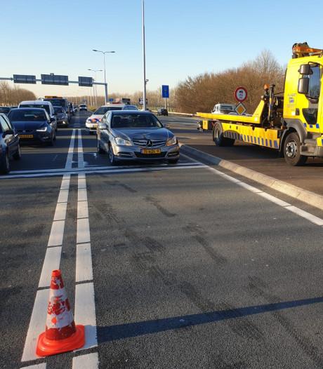 Automobiliste gewond na kop-staartbotsing op N207