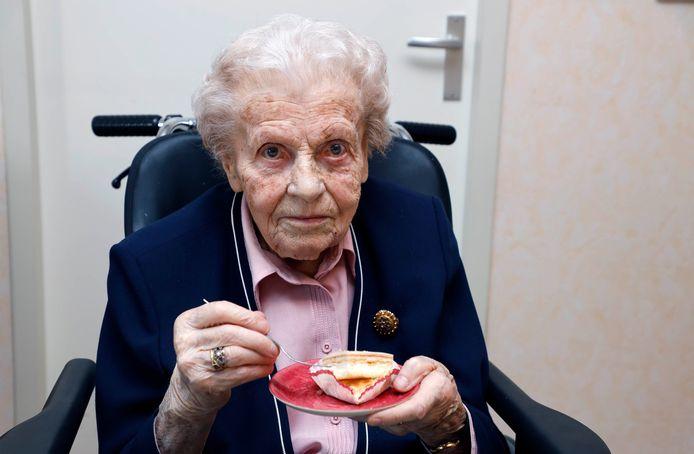 Marietje van Leeuwe uit Aardenburg is honderd jaar geworden.