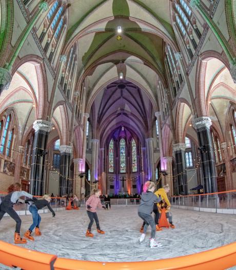 Groot dansfeest in Gouwekerk