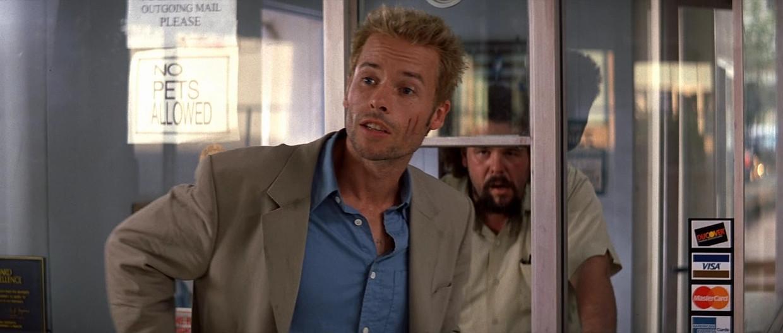 Guy Pearce in 'Memento' op CAZ. Beeld rv