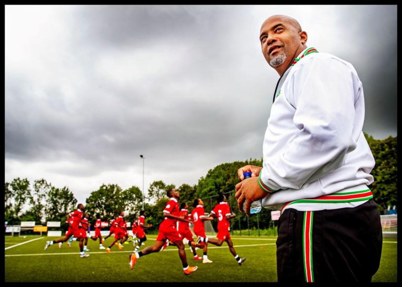 Trainer Dean Gorré trainde in augustus nog met het Surinaams elftal op het veld van RKSV Pancratius in Badhoevedorp. Beeld PIM RAS FOTOGRAFIE