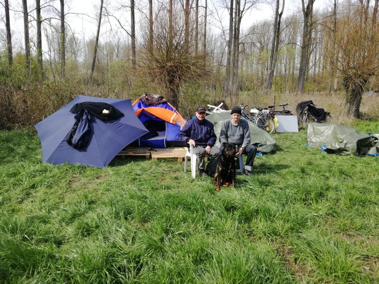 Ronny en Danny hebben terug hun tent opgeslagen in de Markvallei