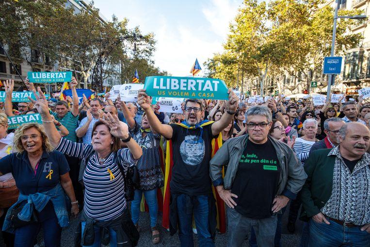 De afgelopen weken is dit protest, de zogenoemde 'cacerolazo' aan de orde van de dag in de opstandige noordoostelijk regio waar het bestuur zich heeft voorgenomen een afscheiding van Spanje te forceren. Beeld Getty Images