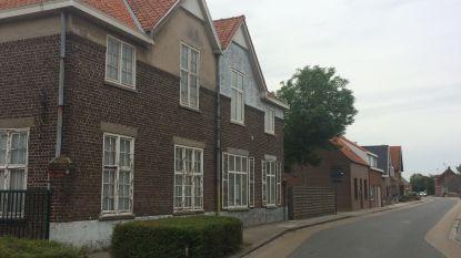 Leegstaande huizen maken plaats voor zorgwoningen