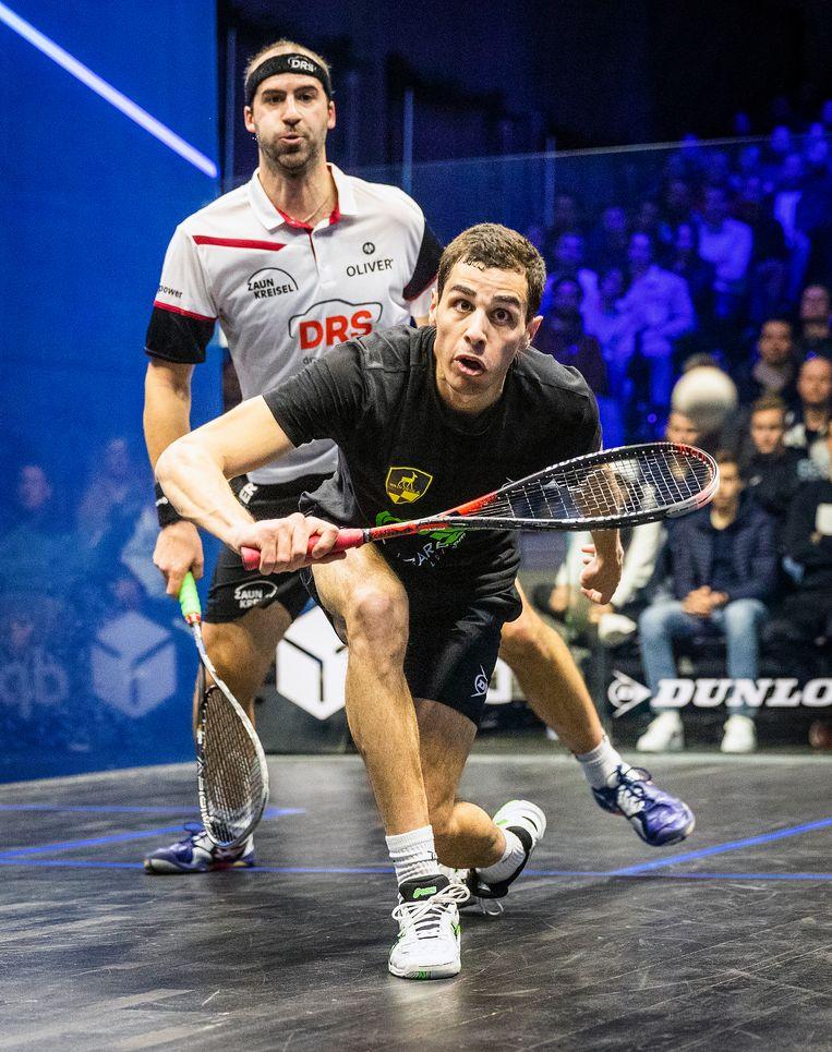 Speler/coach Ali Farag (r) uit Egypte en de Duitser Simon Rosner. Beeld Jiri Buller