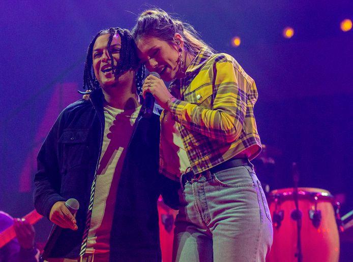 Ronnie Flex en Maan