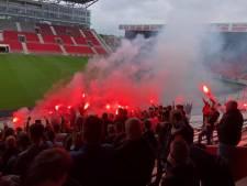 Harde kern Antwerp dringt Bosuil binnen om royaal afscheid te nemen van iconische tribune 2