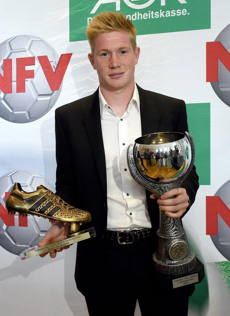 De Bruyne werd vandaag in het Duitse Barsinghausen gelauwerd als beste voetballer van de Duitse deelstaat Nedersaksen.