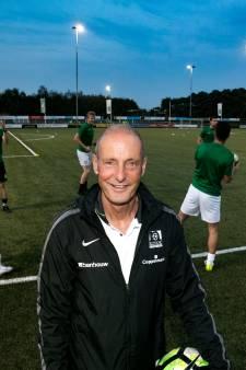 Trainer Jan Poortvliet blijft Nuenen trouw