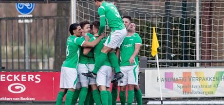 Clubs derde divisie willen alle wedstrijden tegen beloftenteams op eigen veld spelen