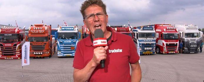 De truck van Bram Schoones (derde van rechts) was een van de acht genomineerde vrachtwagens voor Truck van het jaar 2020.