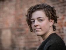 Eerste Sobibor Award gaat naar Elburgse Renata (16) : 'Het onderwerp is loodzwaar, maar het is fijn om erkenning te krijgen'