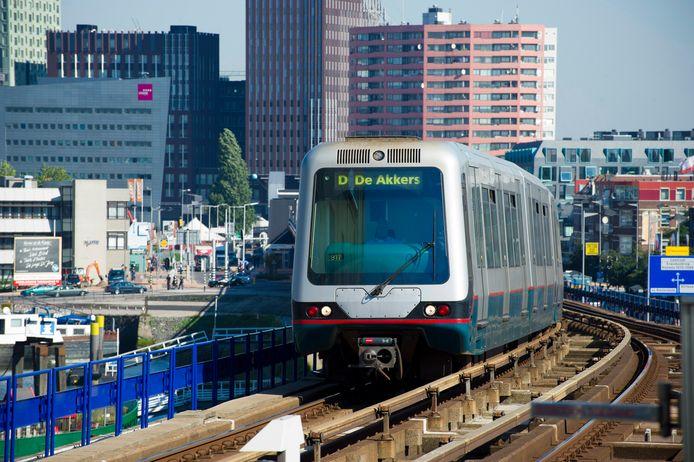 Gemeente Rotterdam wil met een pakket maatregelen de stad bereikbaar houden.