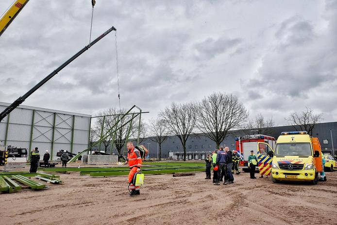 De traumaheli kwam ter plaatsen aan de Theseusstraat in Tilburg.