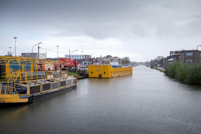 Voormalige Planckendaelboot Likambote was even op drift op de Leuvense Vaart.