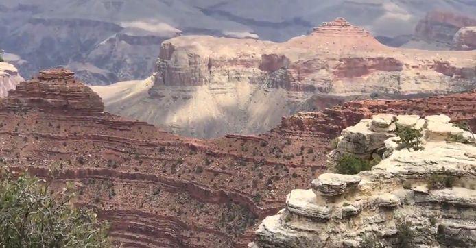 Une femme fait une chute mortelle dans le Grand Canyon.