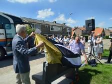 Bankje herinnert Nieuwerkerk voortaan aan UNA-vrijwilligers