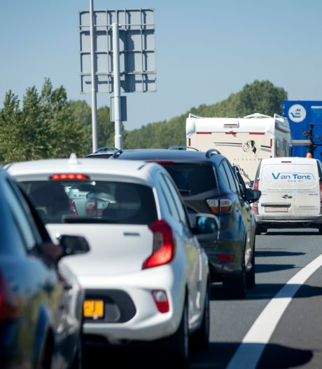 Lange file richting Den Haag