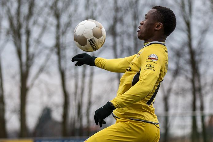 Yannick Ekangamene en Waarde waren zaterdag met 0-8 te sterk voor Hansweertse Boys.