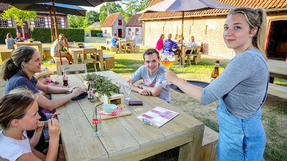 Zomercafé Klokhof nu ook open op zondag