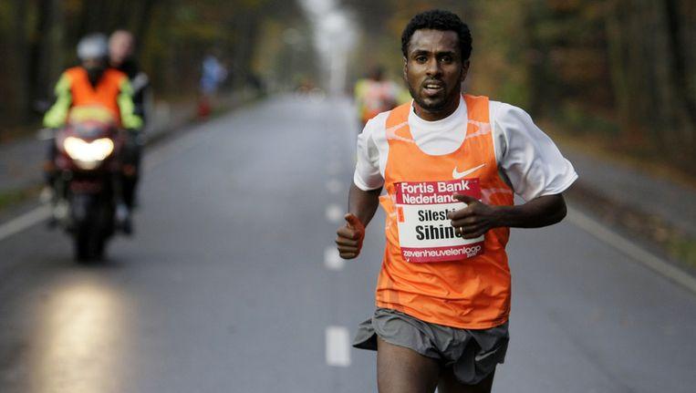 Sileshi Sihine tijdens de Zevenheuvelenloop in 2009. © ANP Beeld
