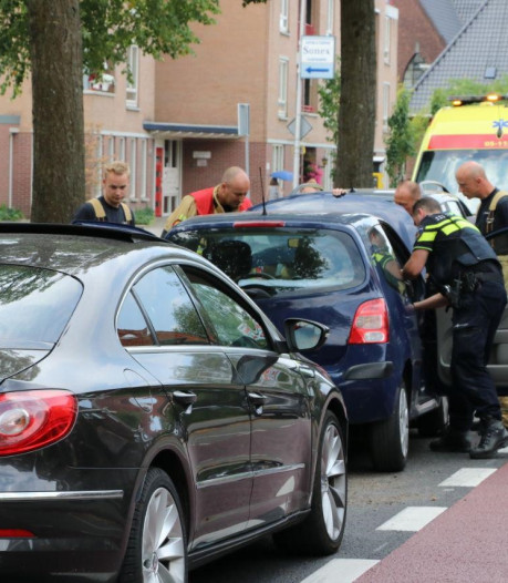 Files op Enschedese singel door kettingbotsing