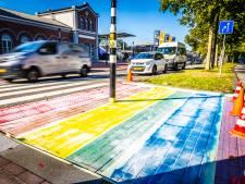 Regenboogzebrapaden krijgen opfrisbeurt: 'Gemeente wil dat ze nóg feller worden'
