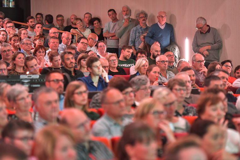 Heel wat Dendermondenaren daagden op voor het debat met de vijf lijsttrekkers.