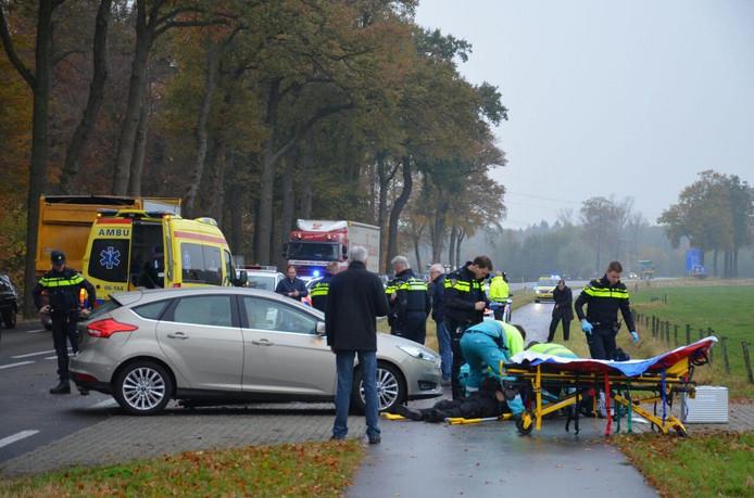 Bij het ongeluk in Warnsveld op 11 november 2016 raakte de motorrijder ernstig gewond.